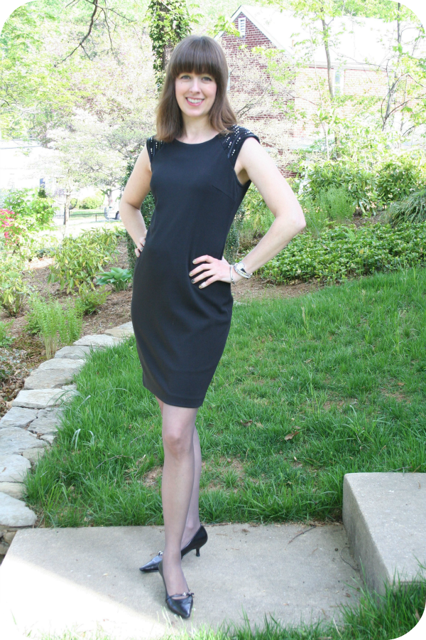 Working mom Core Wardrobe outfit idea: How to wear a little black dress